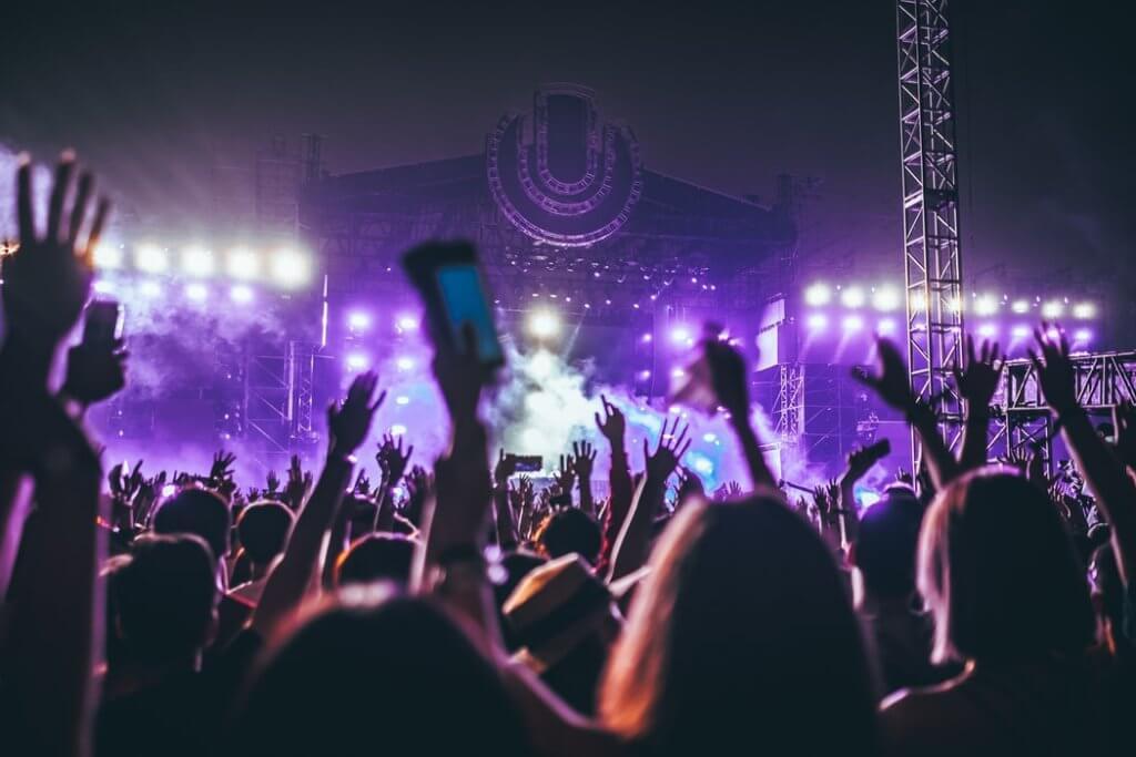 【適当に決めてない?】バンド名やアーティスト名の決め方/名前をつける時の考え方!音楽活動ネームは今後に影響します。